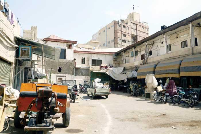 گاراژهای متروک محله عباسی