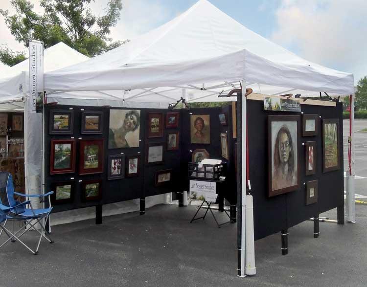عرضه محصولات هنری و کارهای دستی در شهر