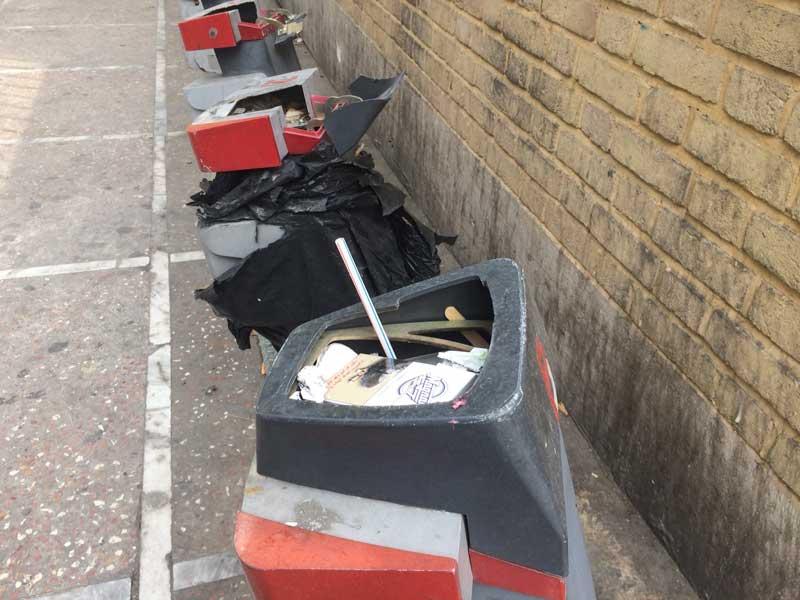 نابودی ایستگاه های دوچرخه توسط مردم